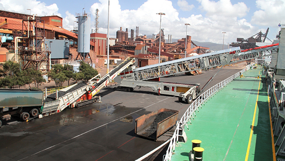 Ts Radial Telescopic Shiploader Fed From Tu R Truck Unloader on Dust Covers For Electrical Connections